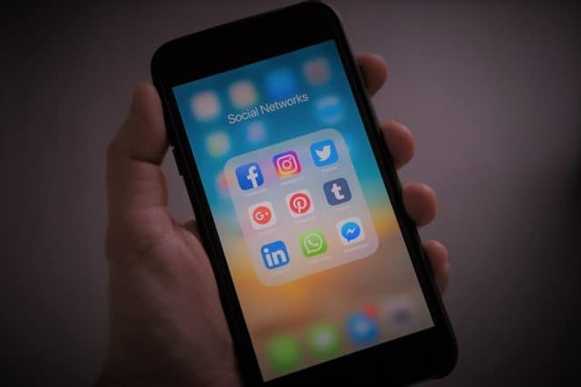 social media for corporate services